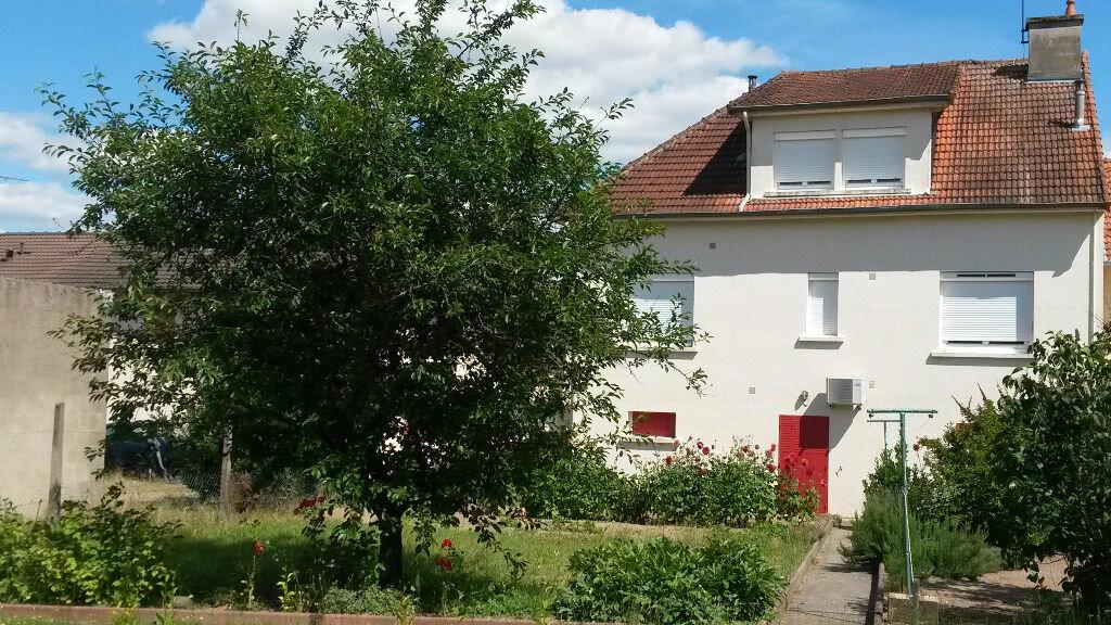 Achat Maison 7 pièces à Montluçon - vignette-1