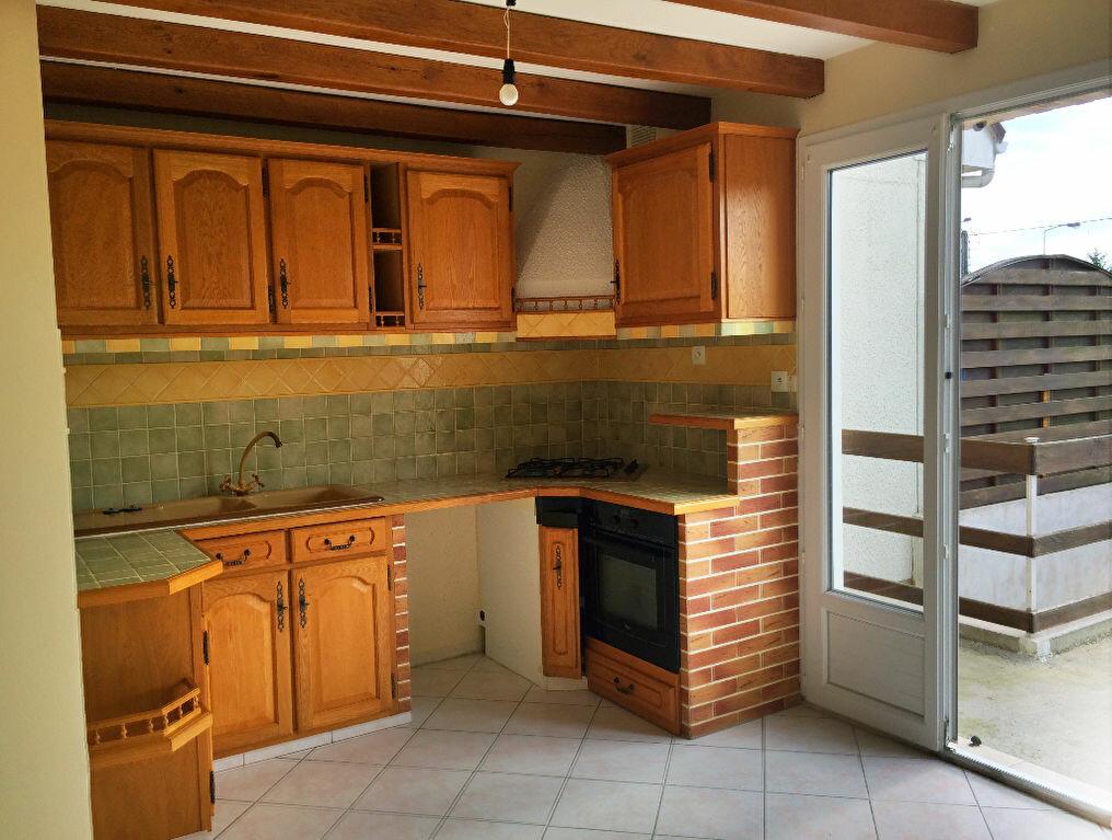 Achat Maison 6 pièces à Saint-Amand-Montrond - vignette-2