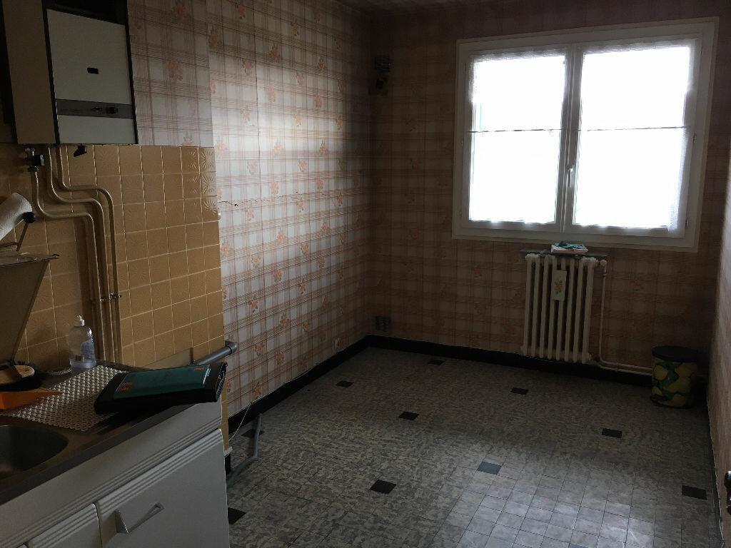 Achat Appartement 3 pièces à Montluçon - vignette-5