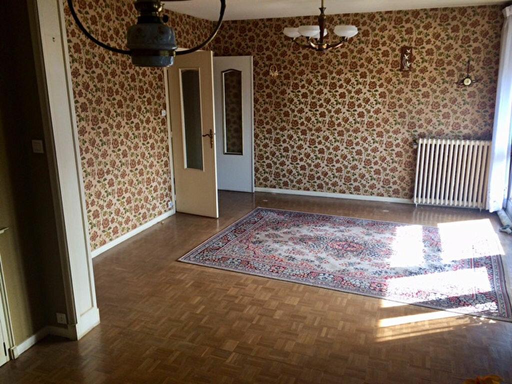 Achat Appartement 3 pièces à Montluçon - vignette-15