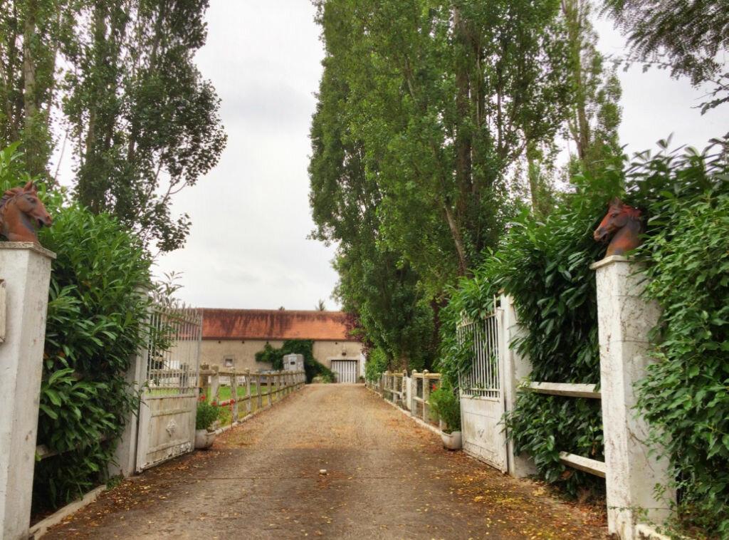 Achat Maison 9 pièces à Autry-Issards - vignette-1