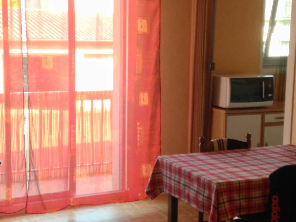 Achat Appartement 2 pièces à Montluçon - vignette-2