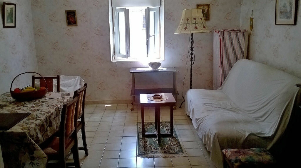 Achat Appartement 1 pièce à Néris-les-Bains - vignette-1