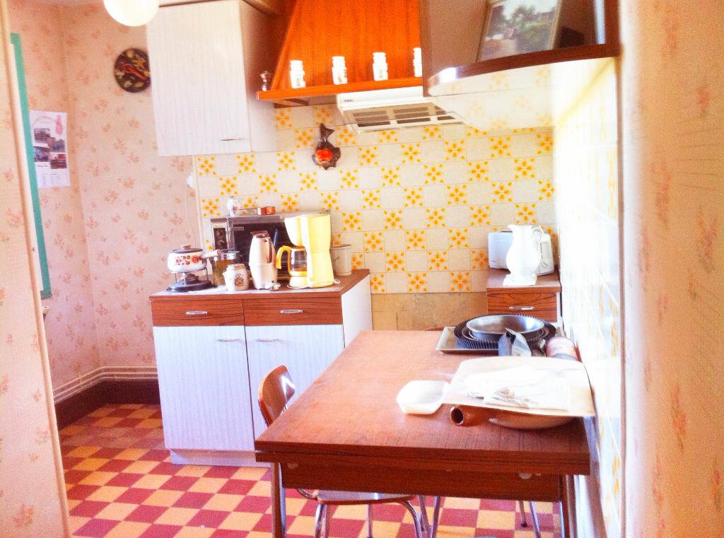 Achat Maison 6 pièces à Ainay-le-Château - vignette-4