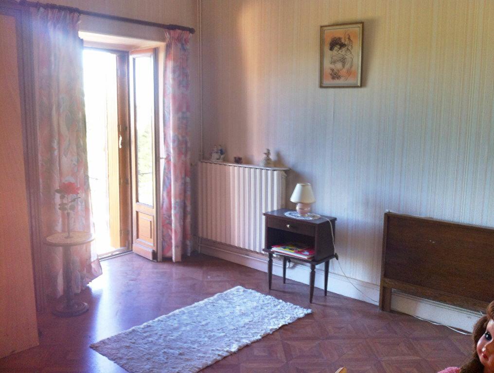 Achat Maison 6 pièces à Ainay-le-Château - vignette-7