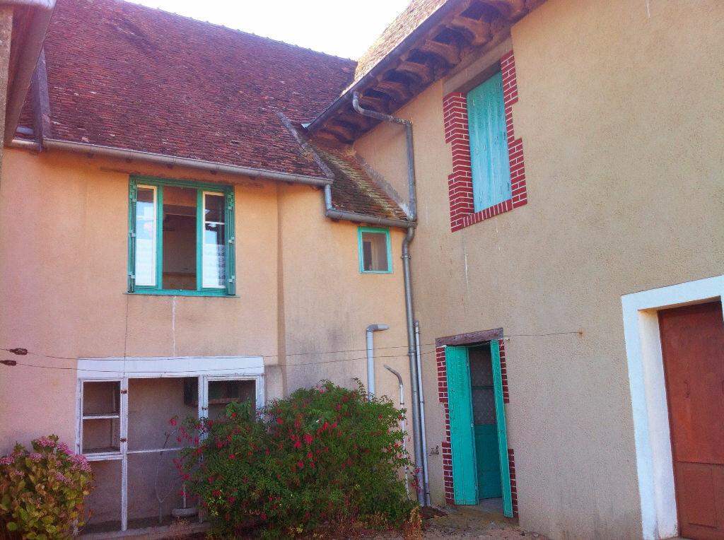 Achat Maison 6 pièces à Ainay-le-Château - vignette-9