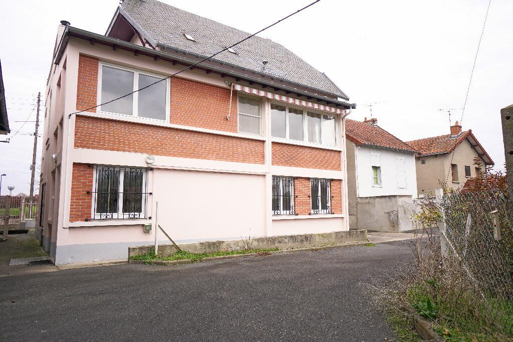 Achat Maison 5 pièces à Montluçon - vignette-16