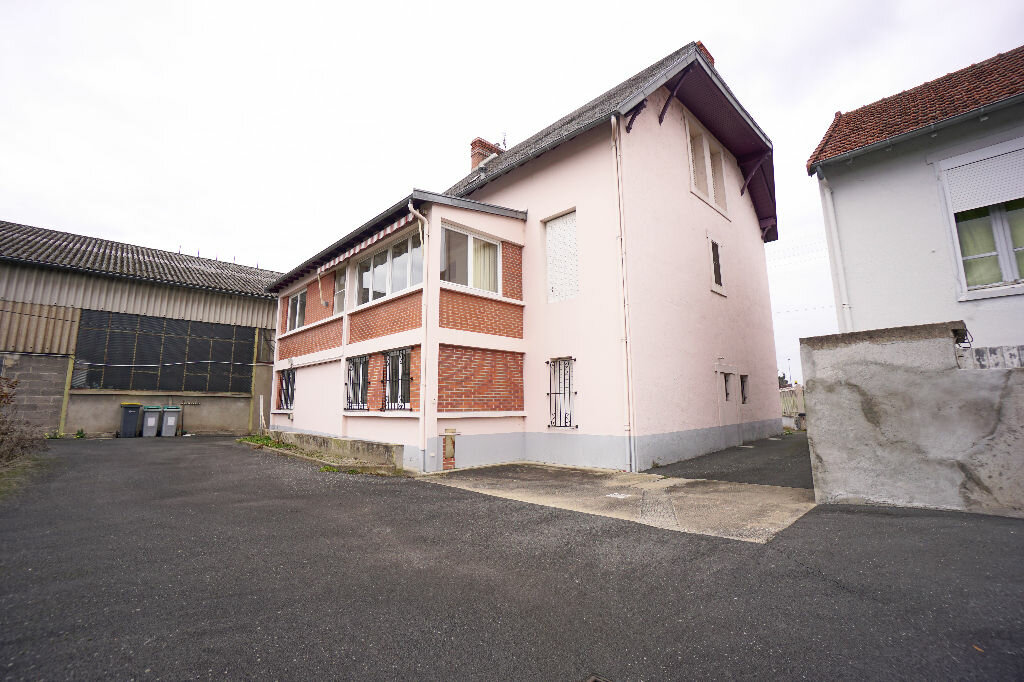 Achat Maison 5 pièces à Montluçon - vignette-18