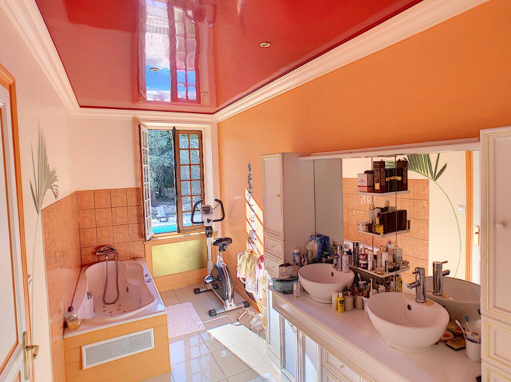 Achat Maison 7 pièces à Saint-Georges-de-Poisieux - vignette-10