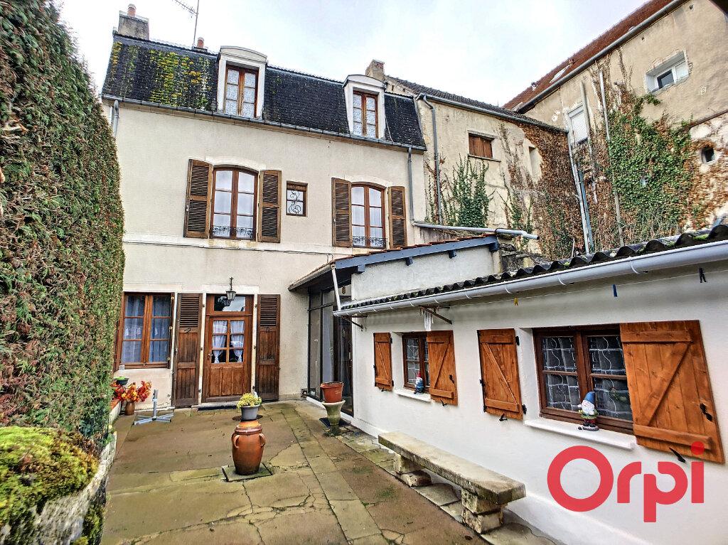 Achat Maison 4 pièces à Saint-Amand-Montrond - vignette-1