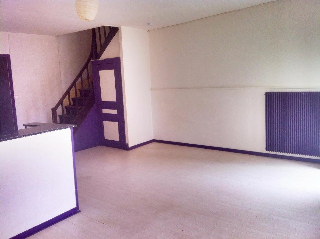 Achat Maison 4 pièces à Saint-Amand-Montrond - vignette-3