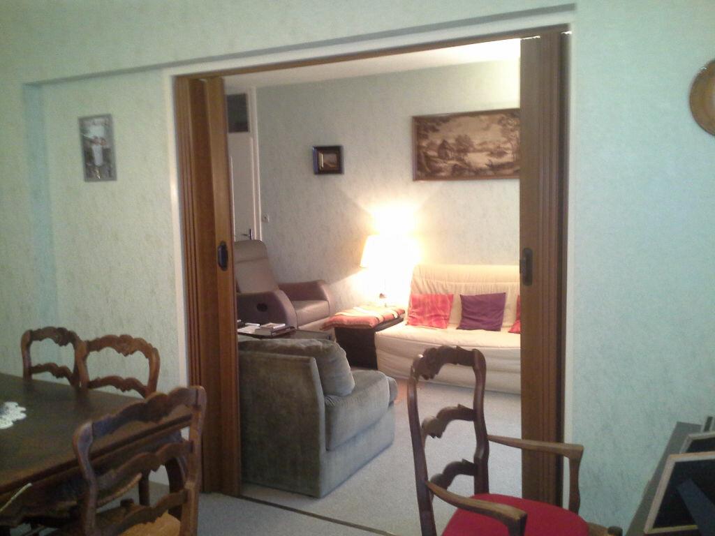 Achat Appartement 4 pièces à Montluçon - vignette-2