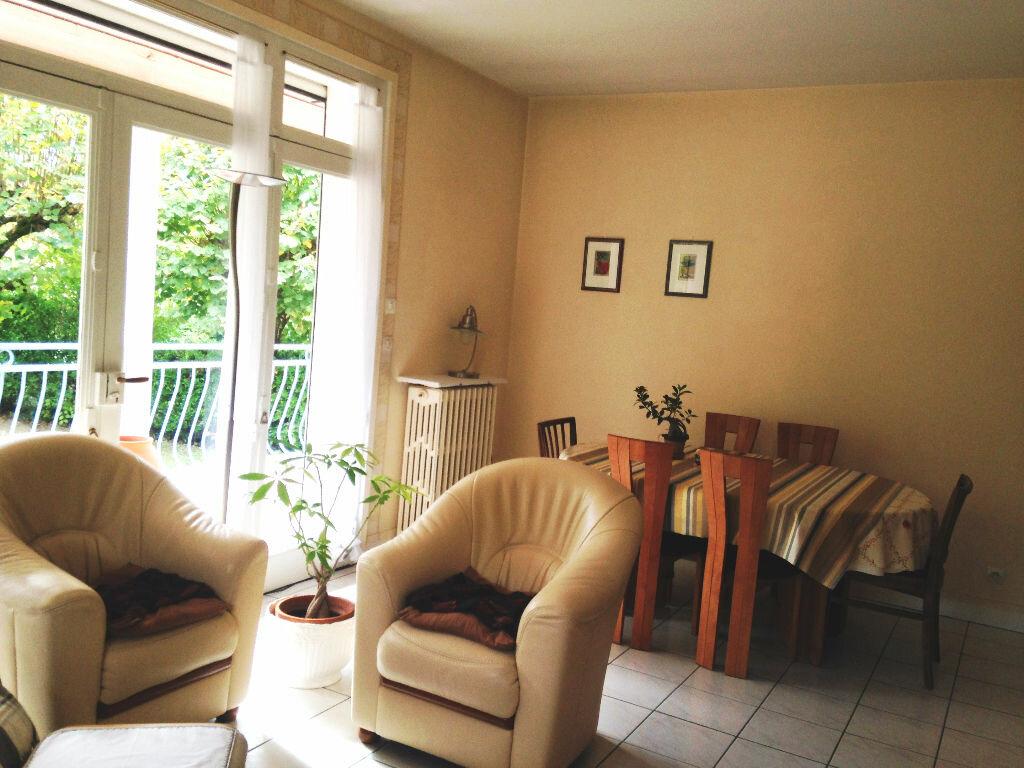 Achat Maison 8 pièces à Saint-Amand-Montrond - vignette-4