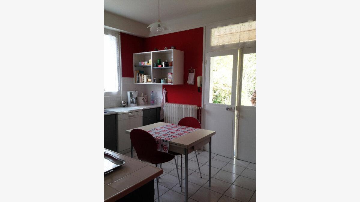 Achat Maison 8 pièces à Saint-Amand-Montrond - vignette-6
