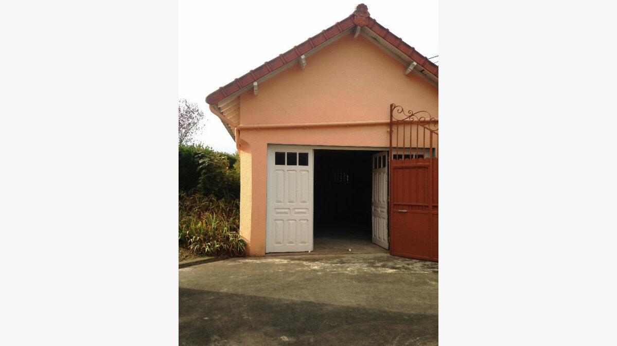 Achat Maison 8 pièces à Saint-Amand-Montrond - vignette-10