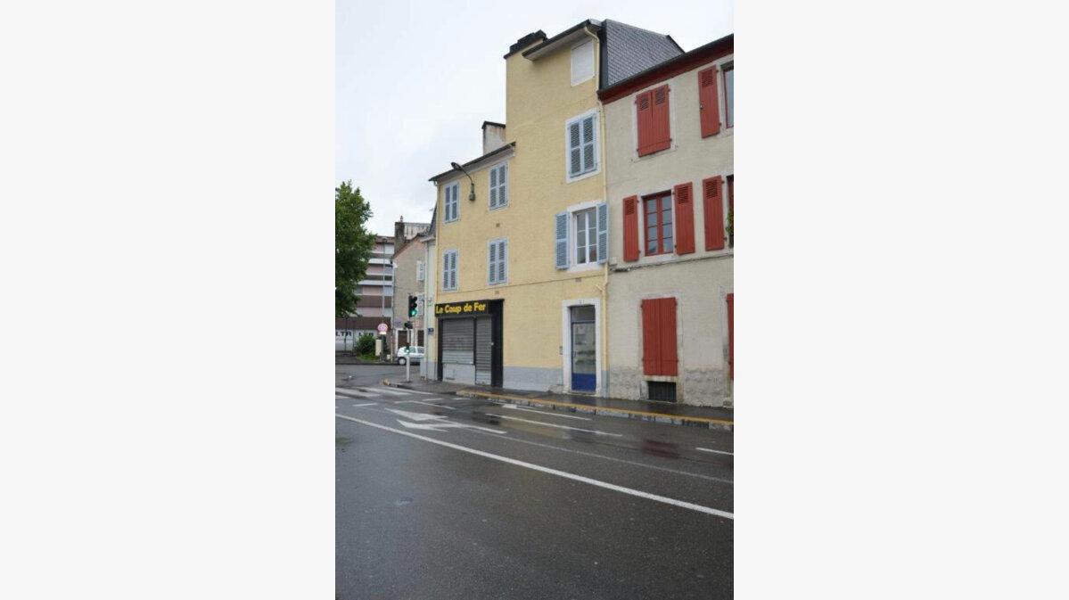 Location Local commercial  à Pau - vignette-1