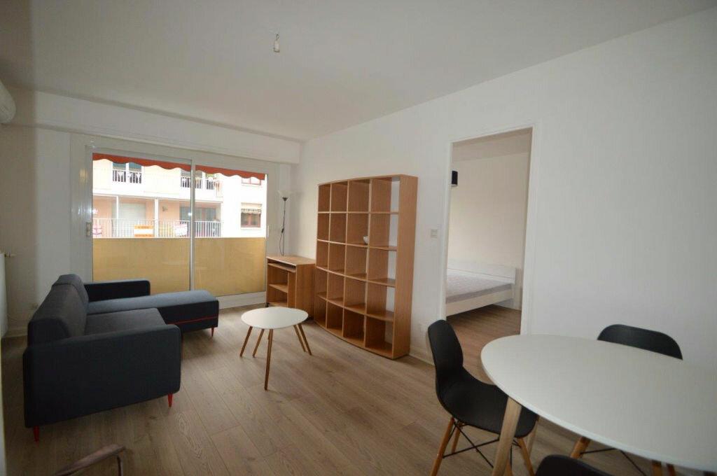 Location Appartement 2 pièces à Pau - vignette-2