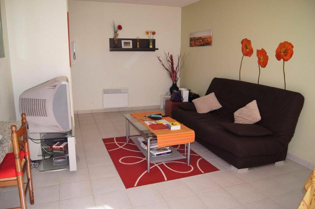 Achat Appartement 2 pièces à Gelos - vignette-1
