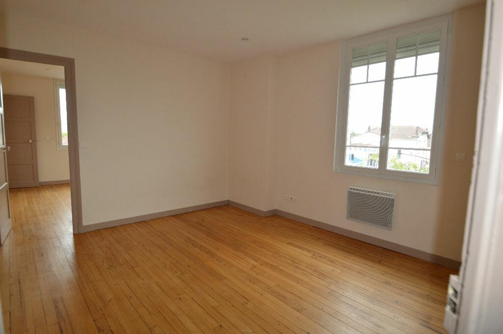 Location Appartement 3 pièces à Billère - vignette-5