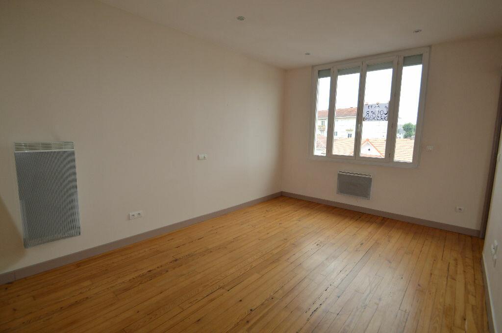 Location Appartement 3 pièces à Billère - vignette-6