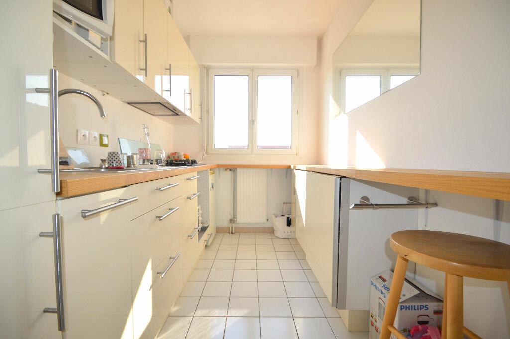 Location Appartement 3 pièces à Billère - vignette-3