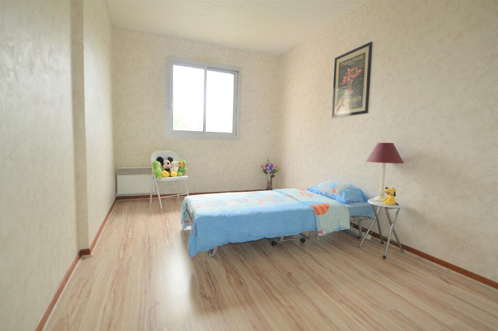 Location Appartement 4 pièces à Pau - vignette-6