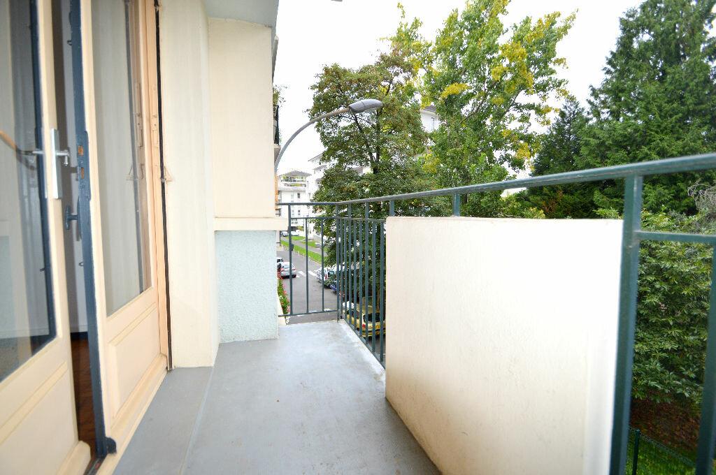 Location Appartement 3 pièces à Pau - vignette-2