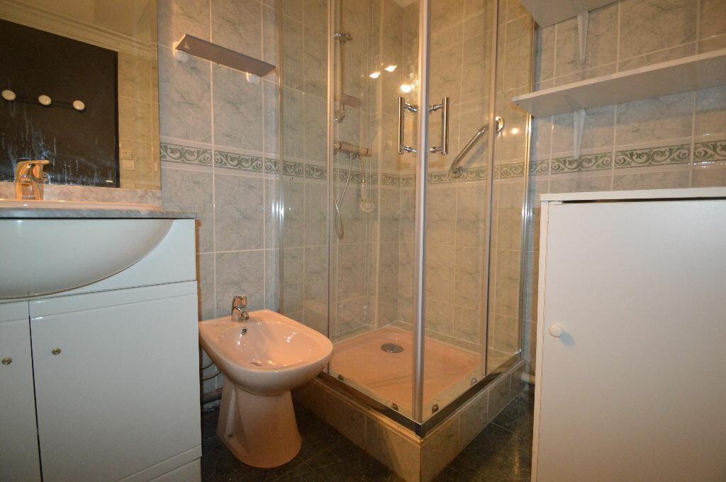 Location Appartement 3 pièces à Pau - vignette-5