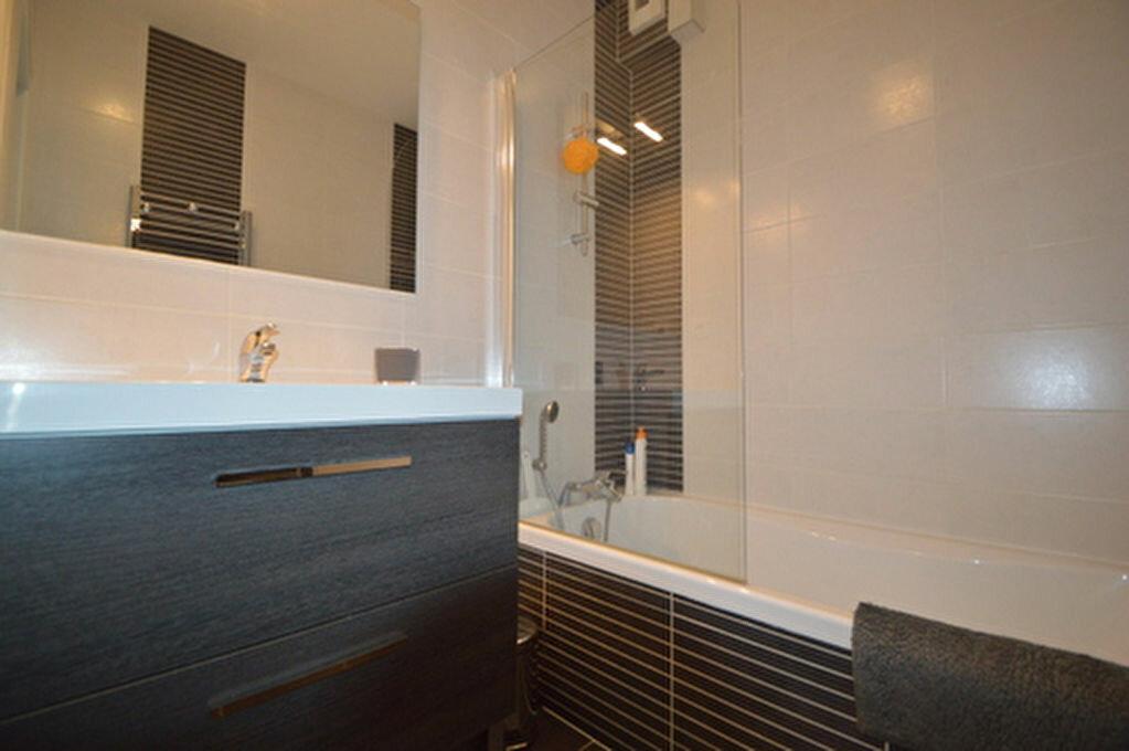 Location Appartement 4 pièces à Rontignon - vignette-3