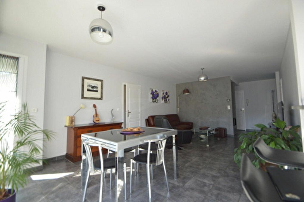 Location Appartement 4 pièces à Rontignon - vignette-4