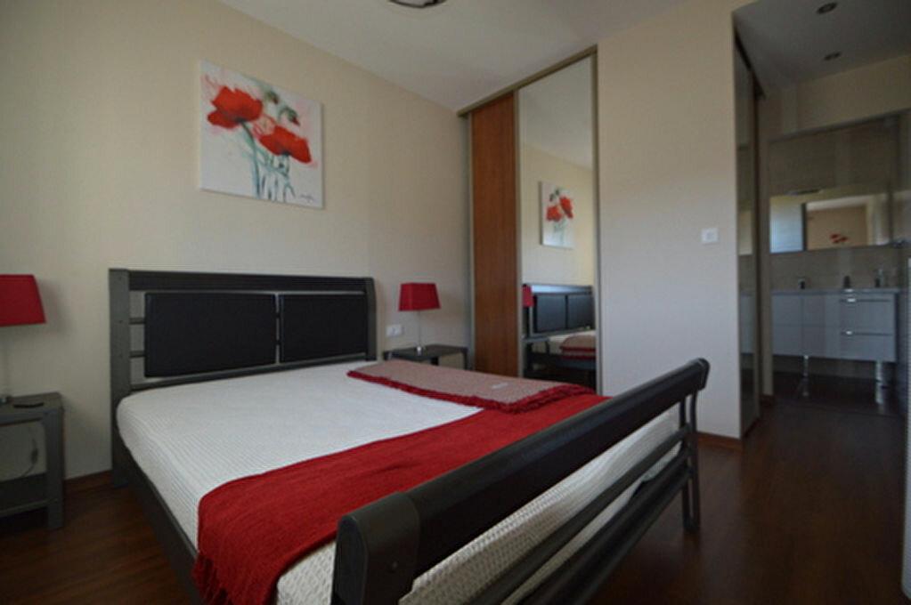 Location Appartement 4 pièces à Rontignon - vignette-7