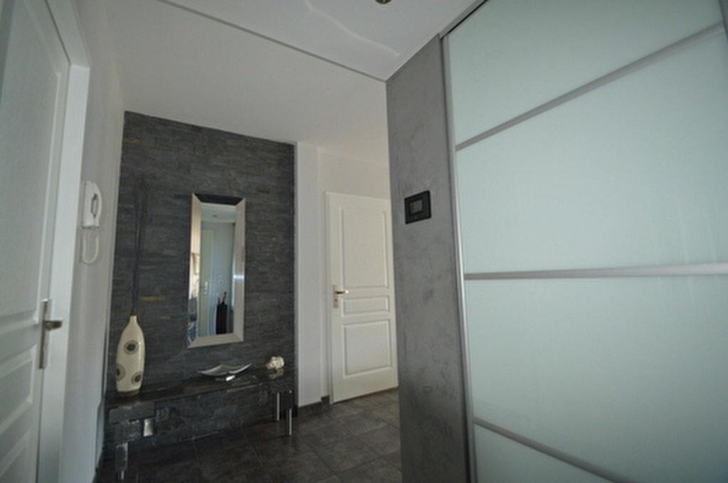 Location Appartement 4 pièces à Rontignon - vignette-9