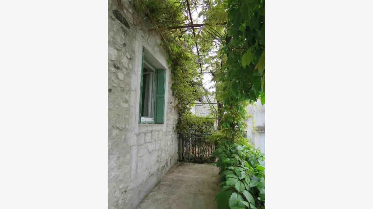 Location Maison 3 pièces à Lavilledieu - vignette-1