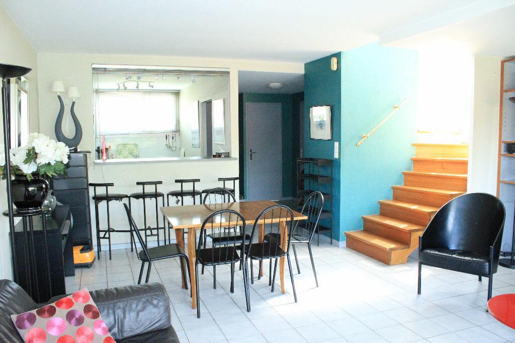 Achat Appartement 3 pièces à Ferney-Voltaire - vignette-2