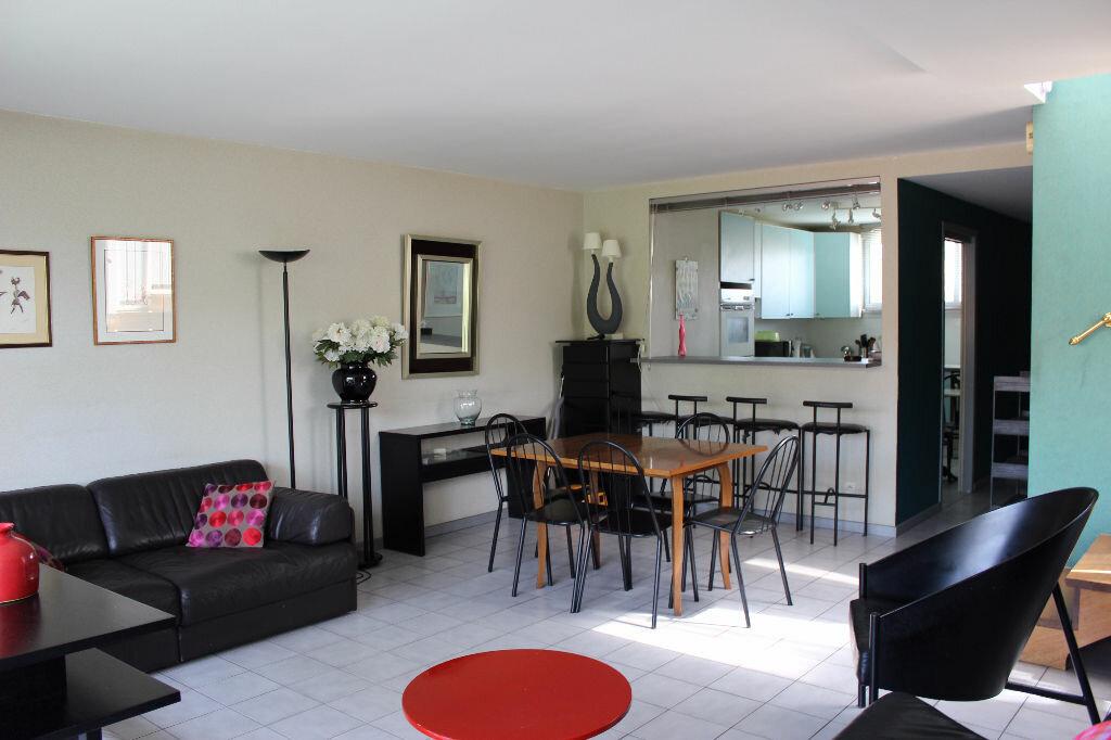 Achat Appartement 3 pièces à Ferney-Voltaire - vignette-3
