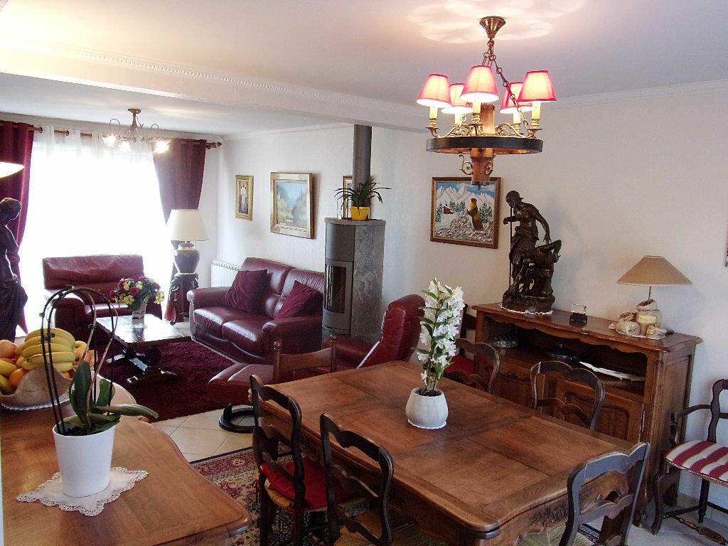 Achat Maison 4 pièces à Saint-Genis-Pouilly - vignette-1
