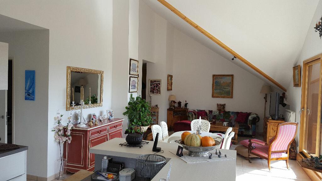 Achat Appartement 4 pièces à Divonne-les-Bains - vignette-1