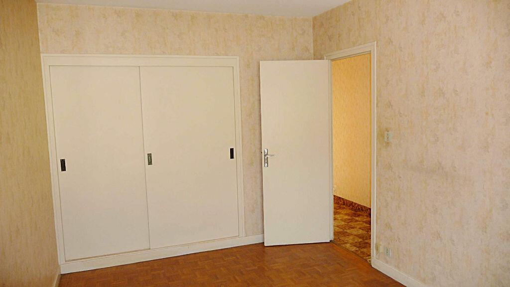 Achat Appartement 3 pièces à Bellegarde-sur-Valserine - vignette-3