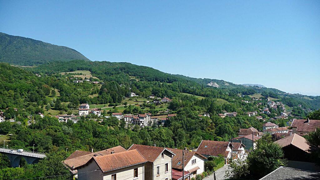 Achat Appartement 3 pièces à Bellegarde-sur-Valserine - vignette-5