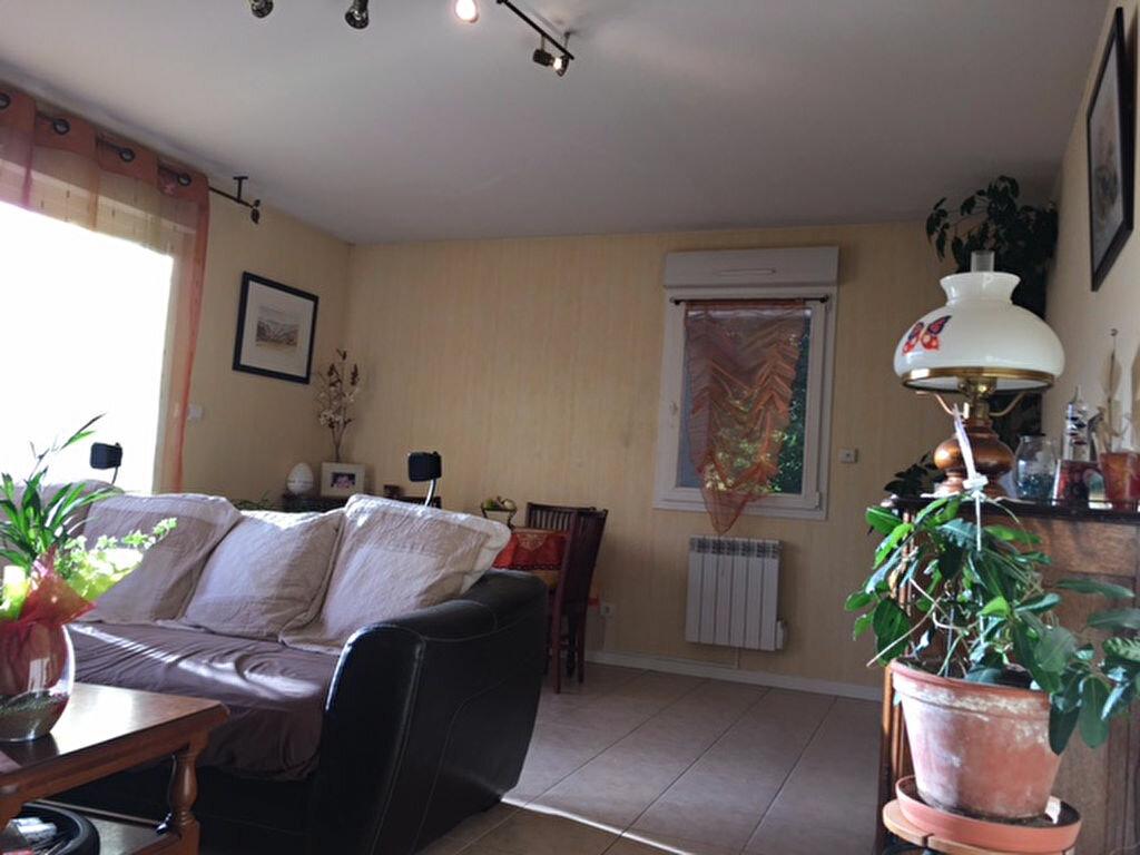 Achat Appartement 4 pièces à Chevry - vignette-3