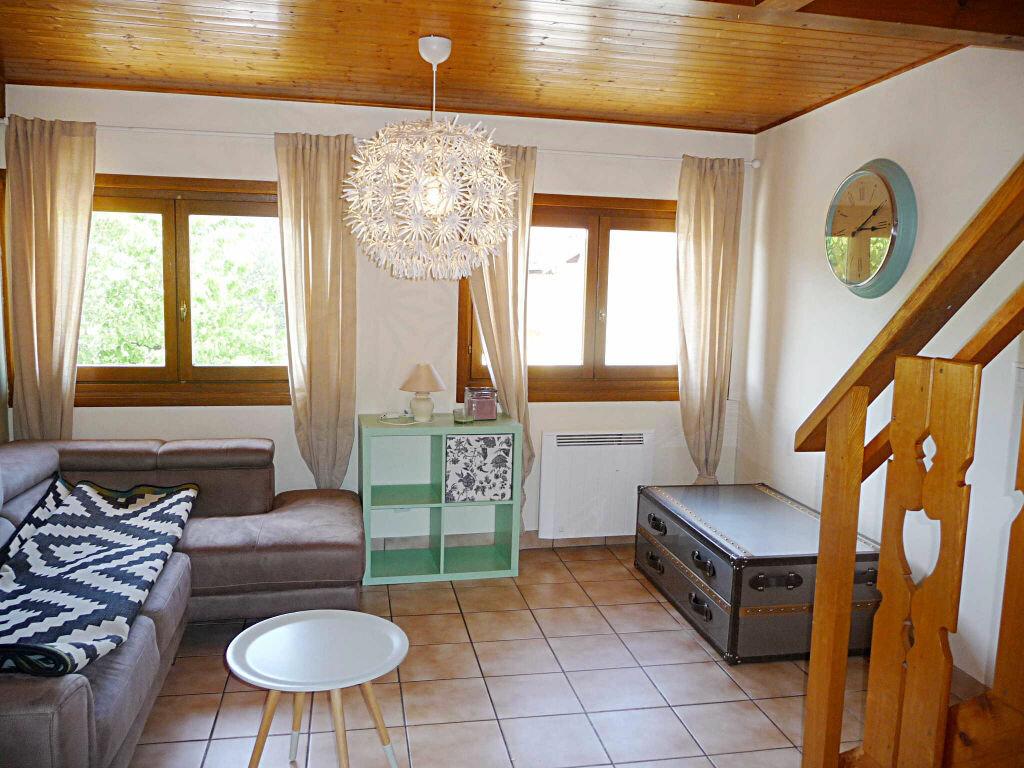 Achat Appartement 4 pièces à Bellegarde-sur-Valserine - vignette-2