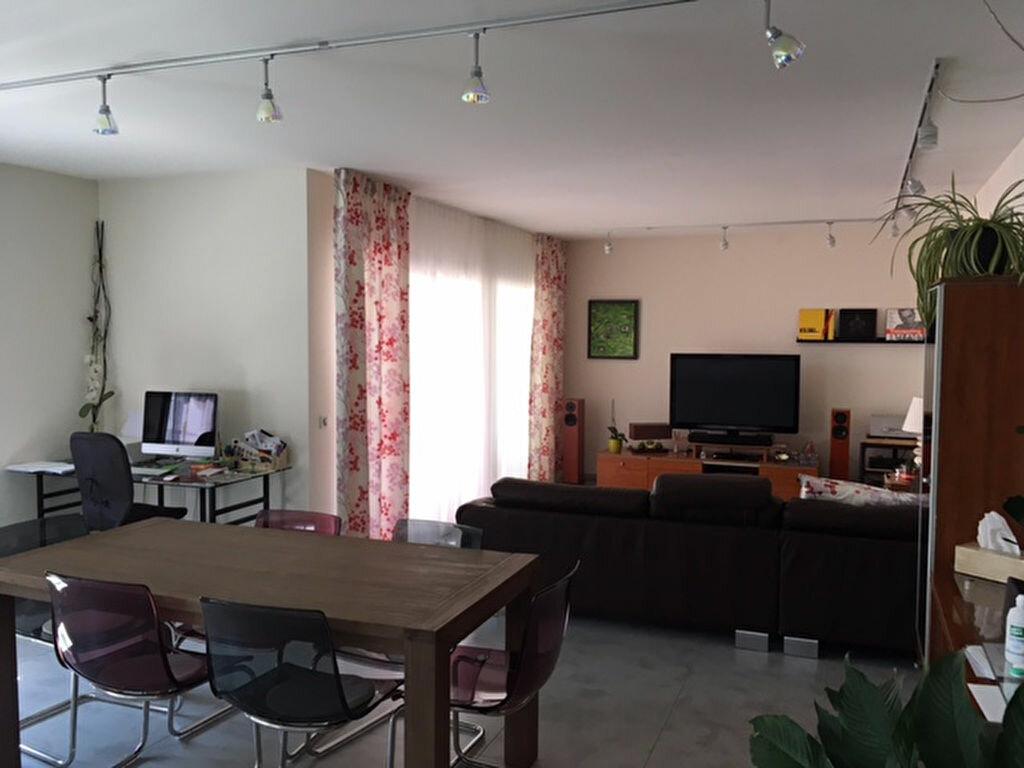 Achat Appartement 5 pièces à Saint-Genis-Pouilly - vignette-2