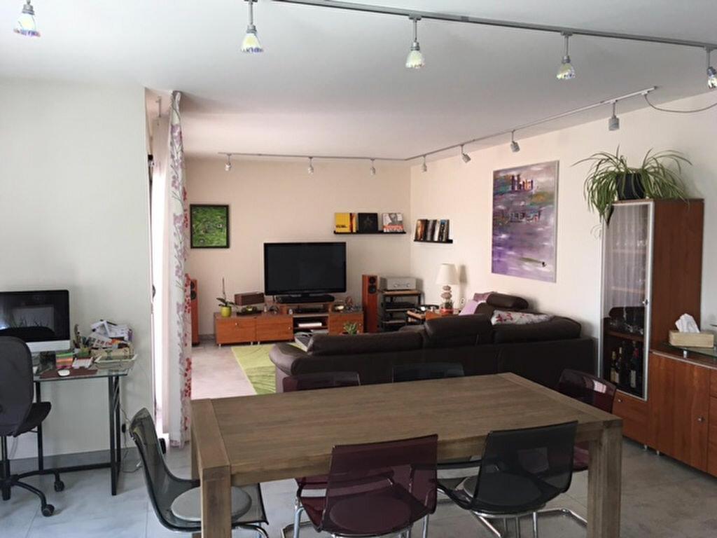 Achat Appartement 5 pièces à Saint-Genis-Pouilly - vignette-3