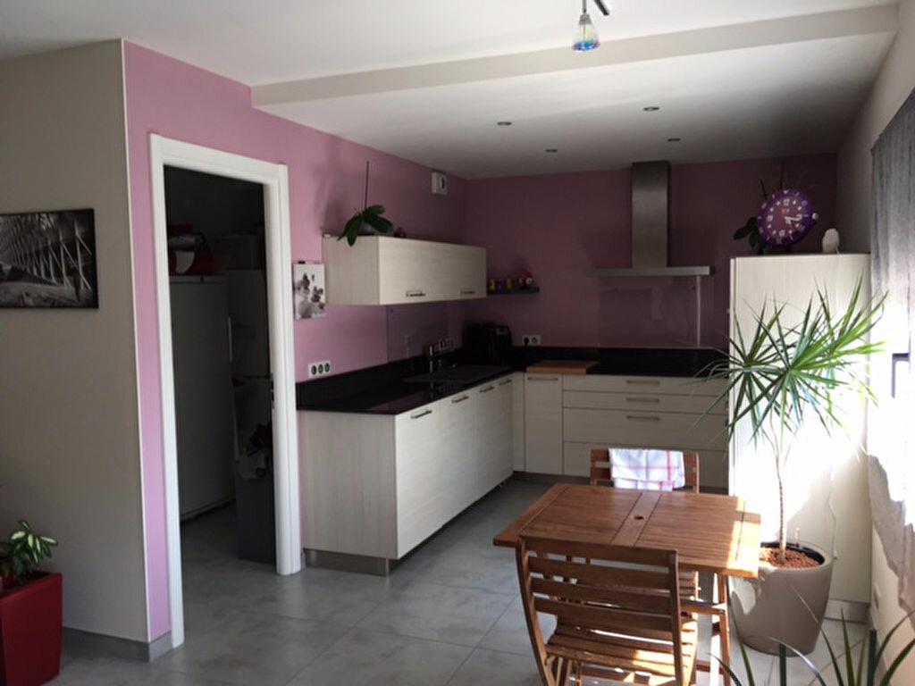 Achat Appartement 5 pièces à Saint-Genis-Pouilly - vignette-4