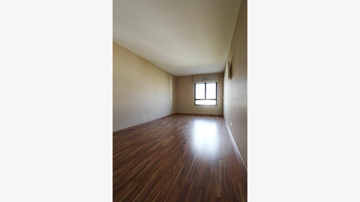 Achat Appartement 4 pièces à Saint-Genis-Pouilly - vignette-5