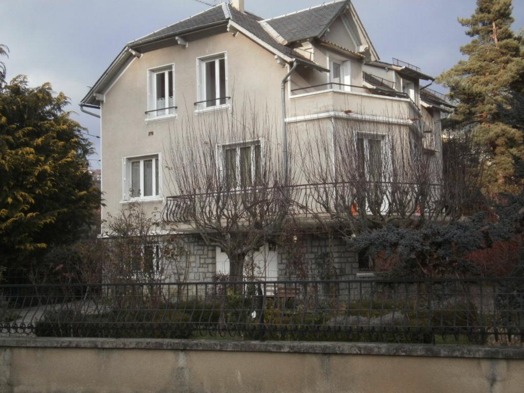 Achat Maison 12 pièces à Saint-Flour - vignette-1