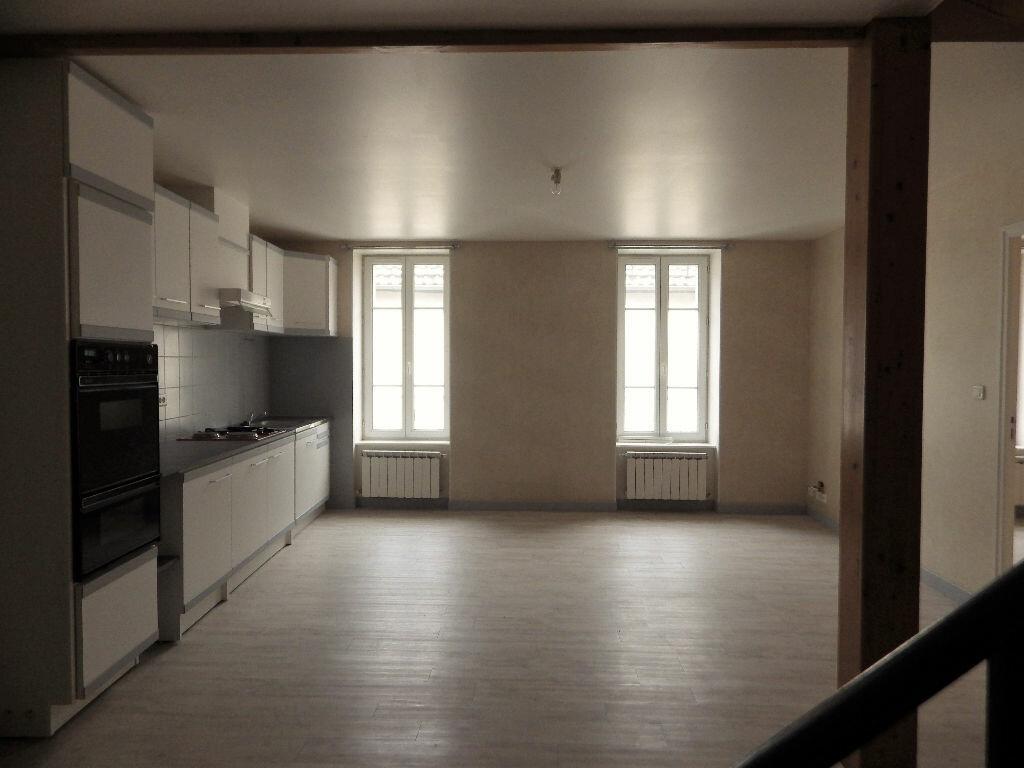 Location Appartement 6 pièces à Saint-Flour - vignette-1