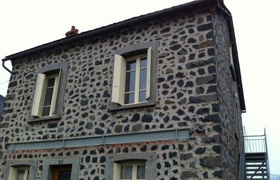 Location Appartement 4 pièces à Neussargues-Moissac - vignette-1