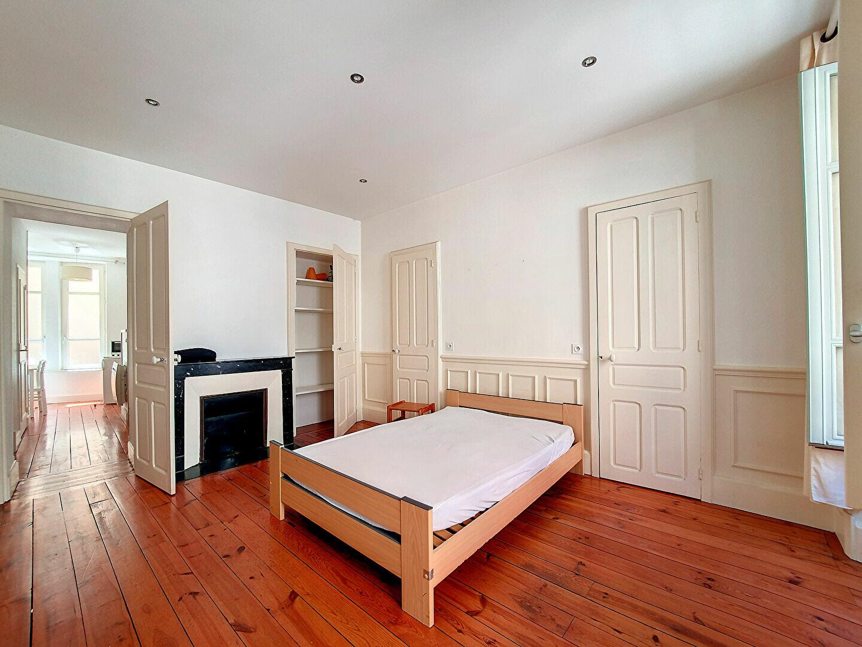 Location Appartement 1 pièce à Saint-Flour - vignette-1