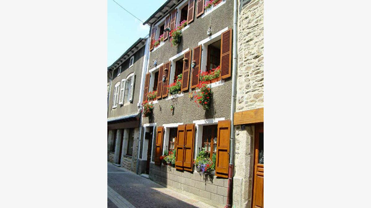 Achat Maison 7 pièces à Chaudes-Aigues - vignette-1